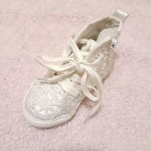 White lace toddler shoes